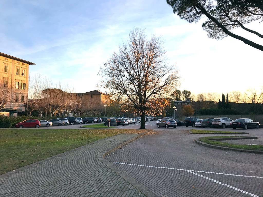 Viale Mario Bustichini free car park in Montecatini Terme